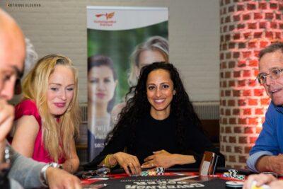 Casino op locatie vrouwelijke pokerspeelster